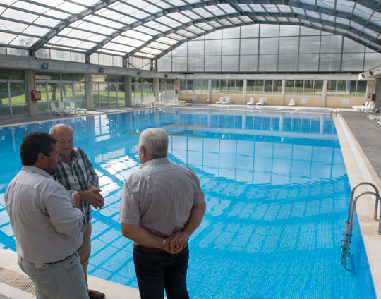 Puesta en marcha de la nueva piscina cubierta de for Piscina municipal castellon