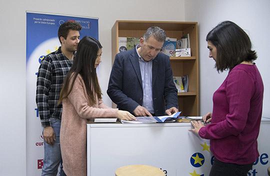 La diputaci n de castell n inaugura su oficina europe for Oficinas bankinter castellon