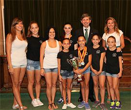Medallistas en el campeonato de España de Gimnasia visitan el Ayuntamiento de Castellón