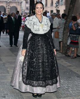 Reportaje fotográfico de la coronación de Dunia Gormaz como reina Magdalena 2015