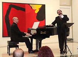 La Sala San Miguel de la Fundación Caja Castellón  se llena en el concierto de canciones para voz y piano