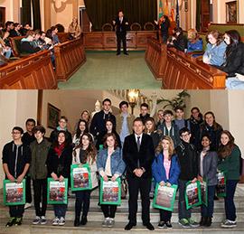 Los alumnos de intercambio del IES Caminàs visitan el Ayuntamiento