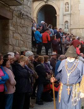 Els pelegrins camino hacia el ermitorio de Sant Joan del Penyagolosa