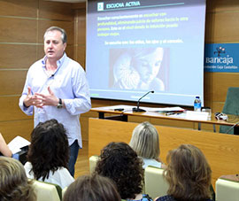 El coach Fernando Muñoz en la Fundación Caja Castellón