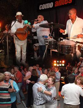 La música cubana protagonizó la noche del sábado en el restaurante Como Antes de Benicássim
