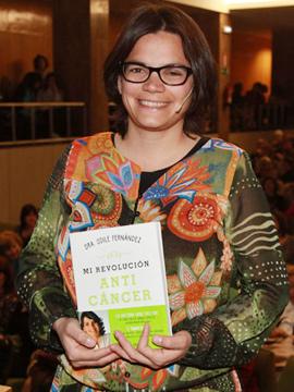 La doctora Odile Fernández narra su experiencia de superación del cáncer en Castellón