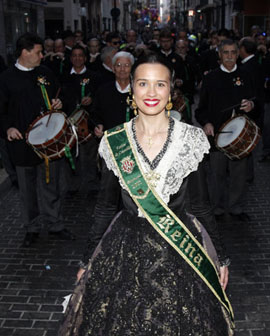 La reina de las fiestas visita la Colla de Dolçainers i Tabaleters de Castelló