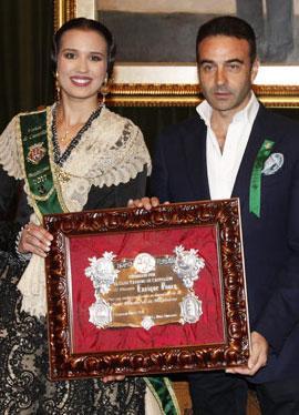 Enrique Ponce recibe el Trofeo Magdalena 2016