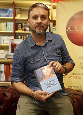 Higinio Mateu presenta su libro en Argot