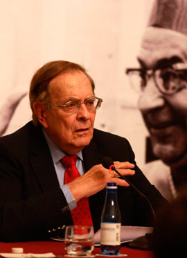 Conferencia del exdiputado, Ramón Tamames, con motivo del Mes Tarancón