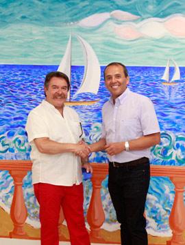 El Doctor Rojas-Vizcaya inaugura un mural de Luís Bolumar para su auditorio