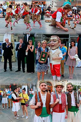 Traidicional acto de Ballar els Nanos con motivo del Corpus Christi