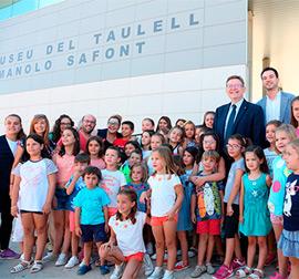 Ximo Puig garantiza el apoyo de la Generalitat en la celebración del 50 aniversario del museo del azulejo de Onda