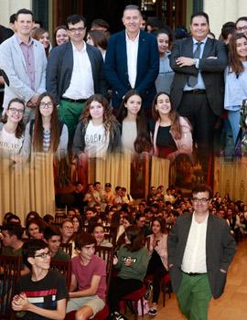 El escritor Javier Cercas se reúne con 250 estudiantes de Castellón, Burriana y Benicàssim