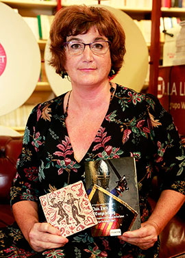 Mª Cristina Laborda presenta su primera novela ´Lluis, Enric i 600 anys pel mig´