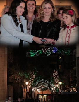 Las Reinas de las fiestas de Castellón encienden la iluminación de Navidad