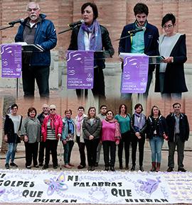 Tradicional acto oficial contra la violencia en Benicàssim