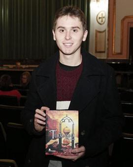 Iván Llaves presentó su primera novela, Turmalina