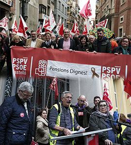 Multitudinaria manifestación por unas pensiones dignas en Castellón