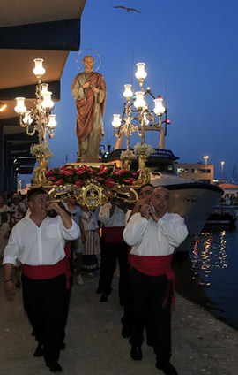 Procesión marítima en honor a San Pedro
