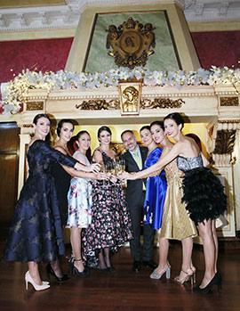 Inauguración de la decoración navideña del Real Casino Antiguo de Castellón