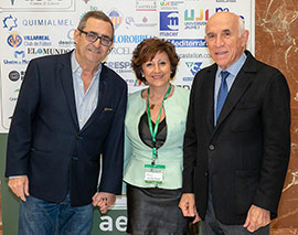 La AECC reconoce la labor de apoyo de vivecastellon.com