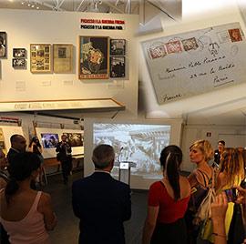 La exposición ´Picasso. El viaje del Guernica´, en la plaza Setè del Grao de Castelló