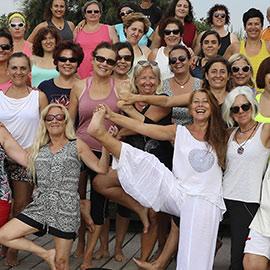 Yoga en la playa del Pinar de Castellón
