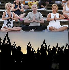 Yoga al atardecer en la playa del Pinar de Castellón
