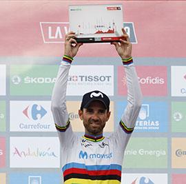 Alejandro Valverde celebra la victoria de la etapa 7 de La Vuelta ciclista a España