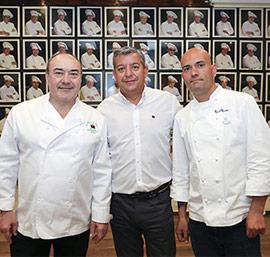 Miguel Barrera y Raúl Resino elaboran el menú del 25 aniversario de l´Olla de la Plana