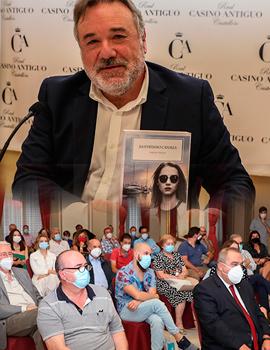 Basilio Trilles presenta en el Real Casino Antiguo su última novela ´´Ilustrísimo canalla´´