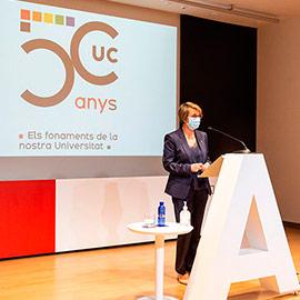 La UJI rinde homenaje a los colectivos e instituciones que hicieron posible el Colegio Universitario de Castellón hace 50 años