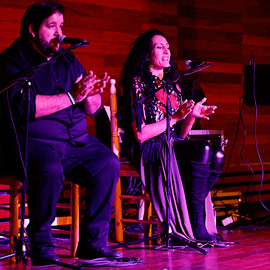 Zambomba Flamenca ofreció un espectáculo flamenco navideño