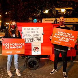 La caravana de los hosteleros colapsa el centro de Castelló