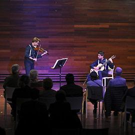 Concierto en Benicàssim de 10 Strings Duo