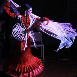 Actuación de Aloma de Balma en Benicàssim